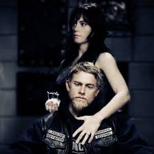 Maggie Siff and Charlie Hunnam as Tara and Jax